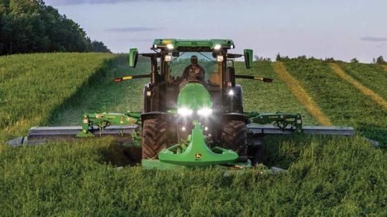 John Deere 7R 330 Tractor 8060RW
