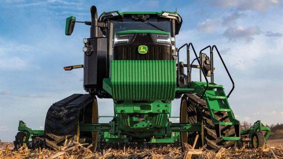 John Deere 8RT 310 Two-Track Tractor 8200RW