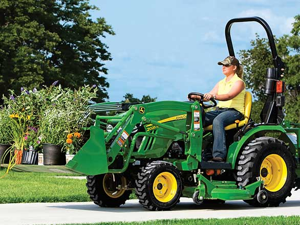 John Deere 2025R Package